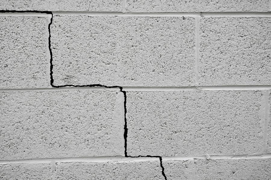 Settling Cracks in Foundation