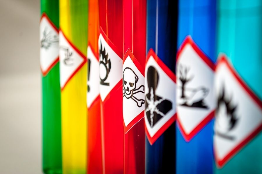 Does Grub Killer Have Toxic Chemicals