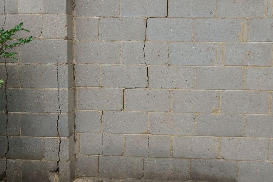 A Closer Look at Settling Cracks vs Foundation Cracks