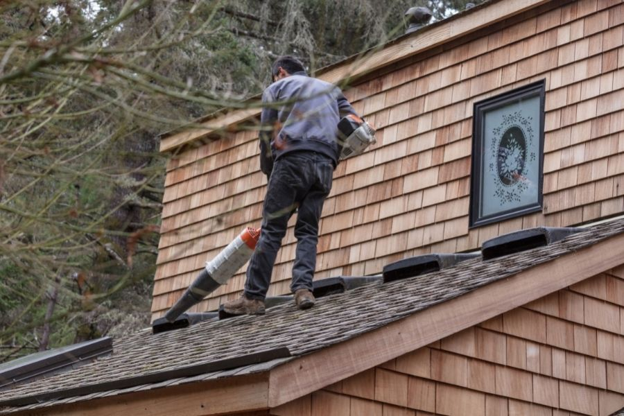 It's Safer for the Roofers to Work Without the Gutters